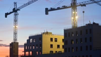 ÉVOSZ: számítani kell az építoipar lassulására, akár kivitelezések leállítására is