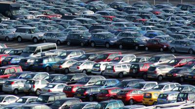 Áthárított áfa nélkül beszerzett személygépkocsi áfamentes értékesítése: változik a szabályozás